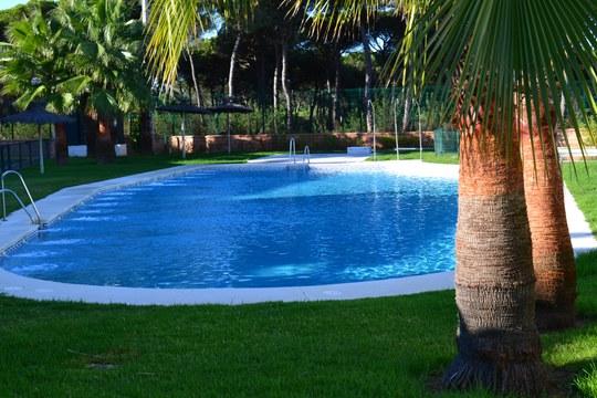 Mantenimiento de piscinas en sevilla gestiocio for Se hacen piscinas